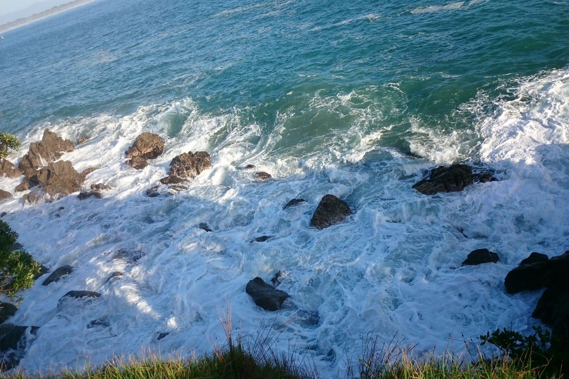 Waves smahing the rocks around Mauao Base Track