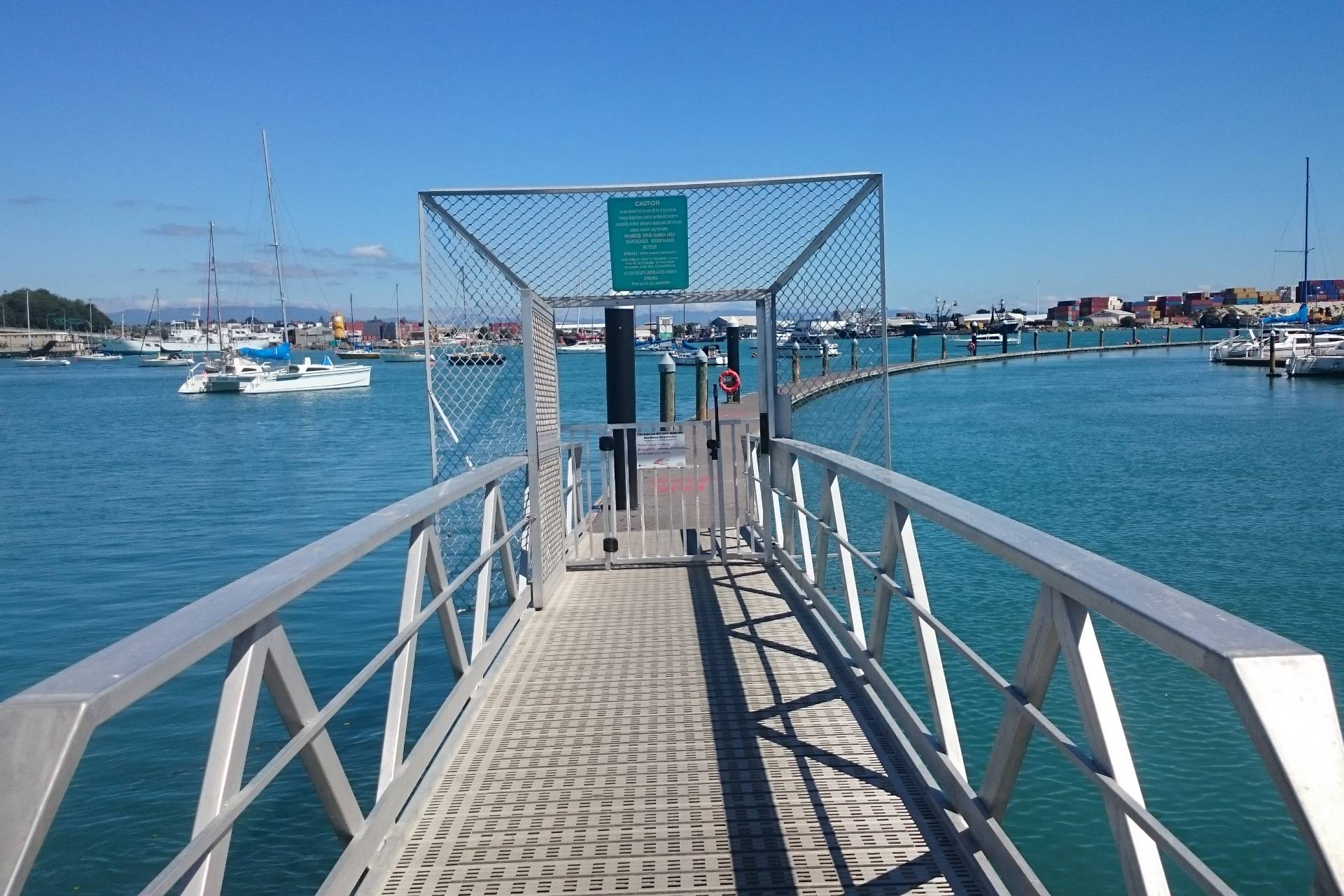 Tauranga-marina-access-gate-to-fishing-pontoon