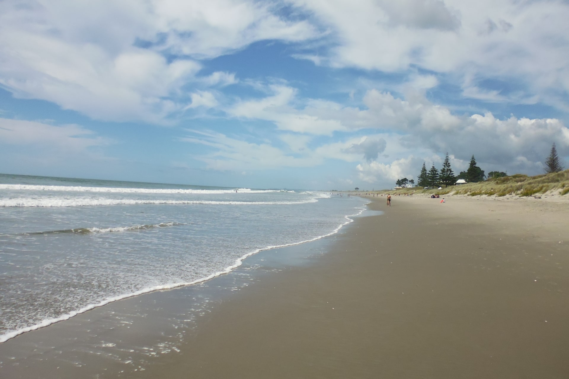 papamoa-beach-low-tide